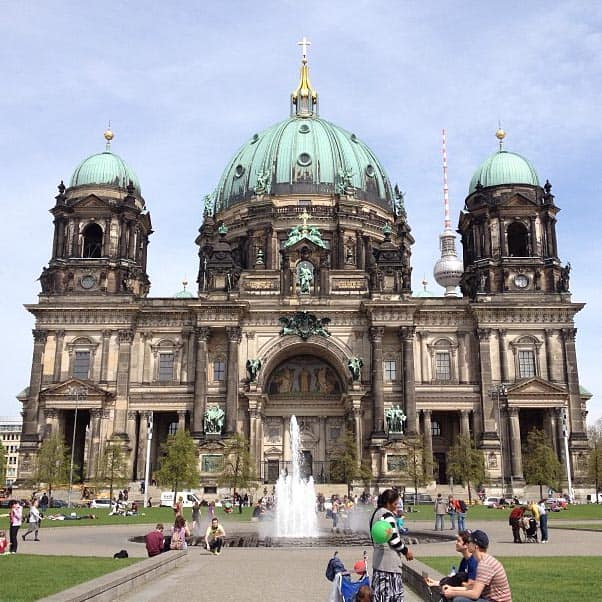 dom SheDoesBerlin: Schnitzel, History, Night Out Tips and Community Pools