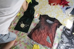 6 2 300x200 DIY with Limberlina: Galaxy Bleach Shirts with Silhouette