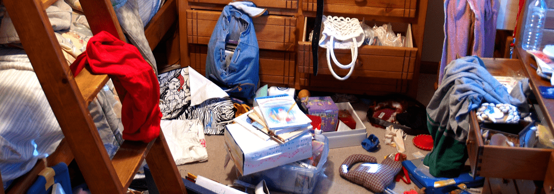 How I Stopped Dreading Clutter