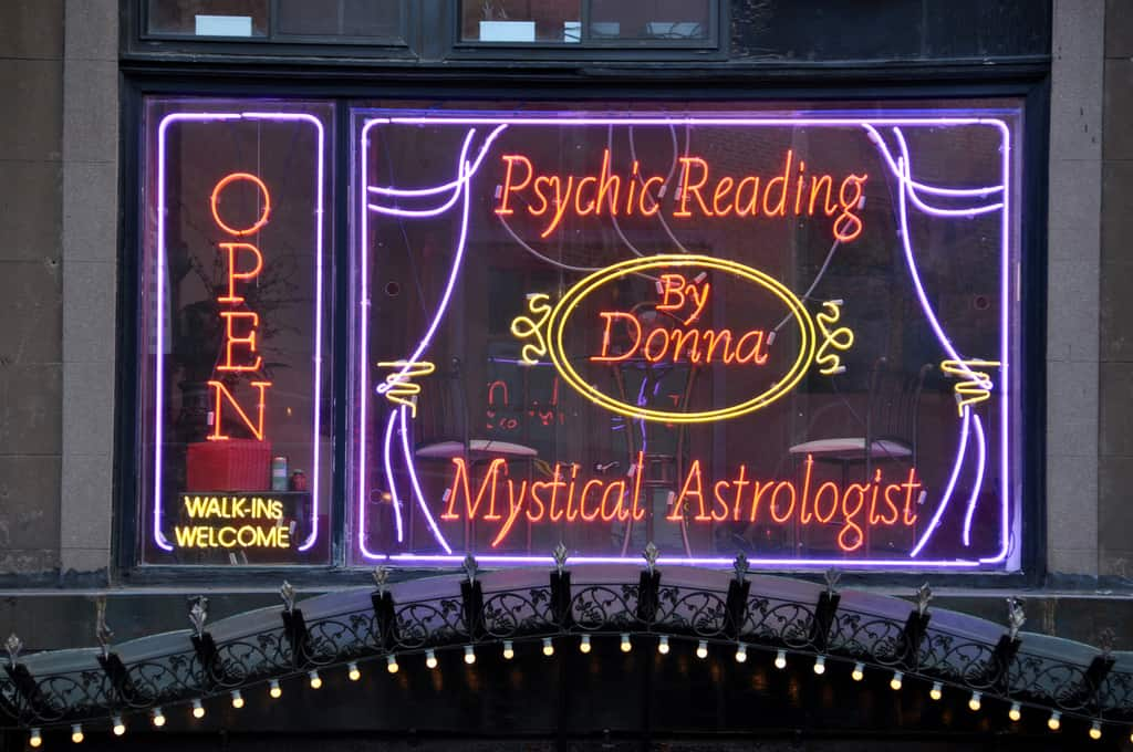 7 Reasons I Like Psychic Readings