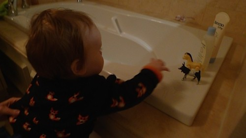 From Infant to Toddler: The Story of Bath Time - Shedoesthecity ...