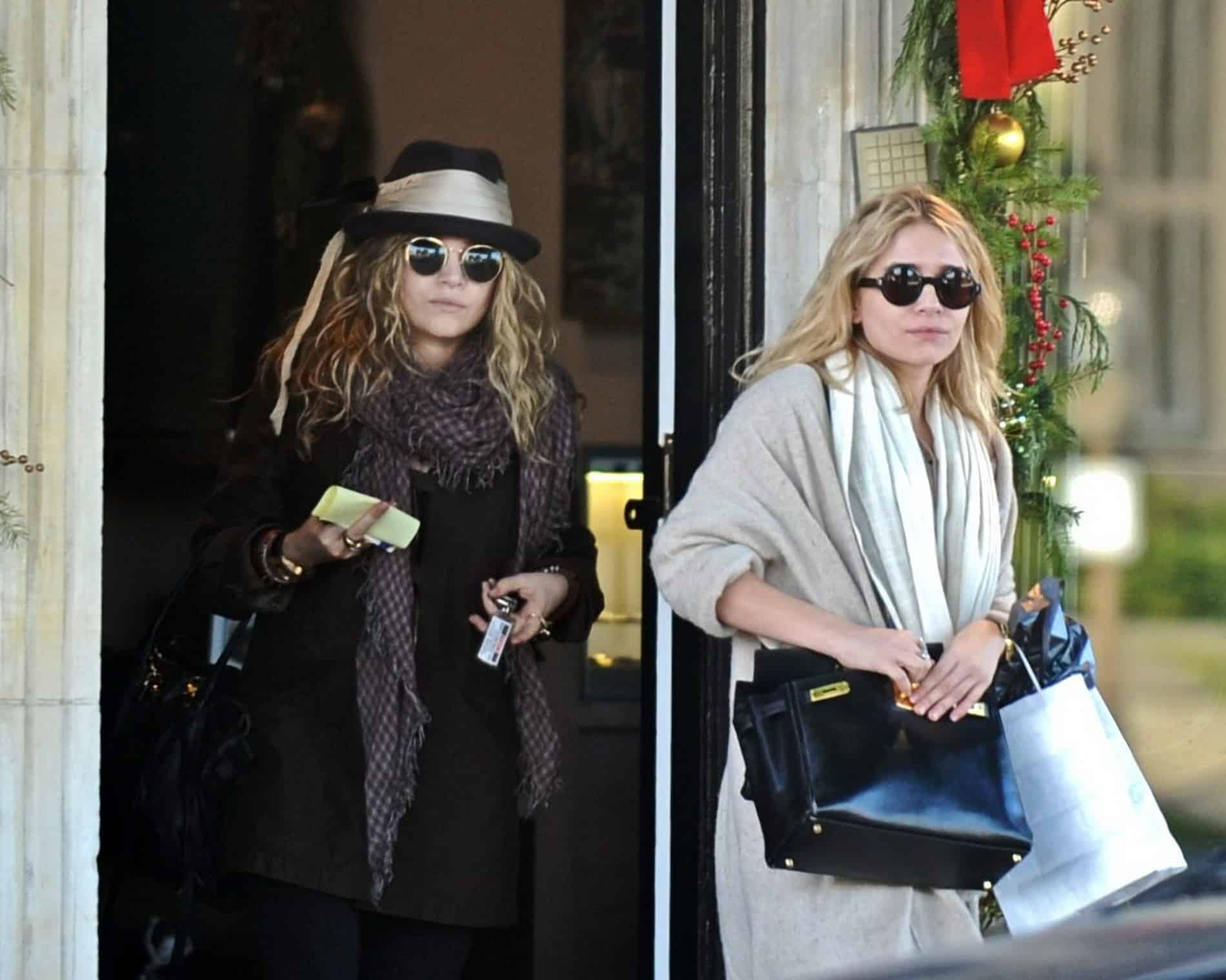 Mary-Kate and Ashley Olsen Do Last Minute Holiday Shopping