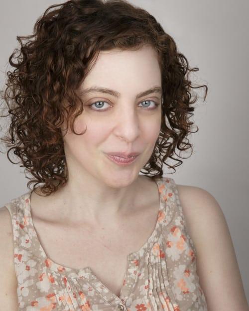 Lynn Bixenspan: Twitter Famous & Funny As Hell