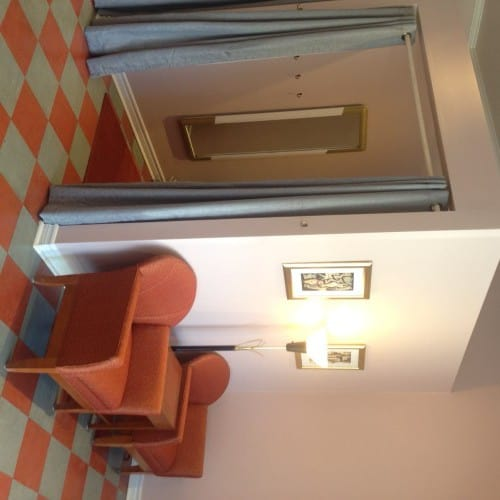 Waiting area & fitting room