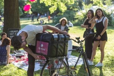 201606021-foodora-picnic-AndrewWilliamson6035