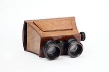 220px-IGB_006055_Visore_stereoscopico_portatile_Museo_scienza_e_tecnologia_Milano