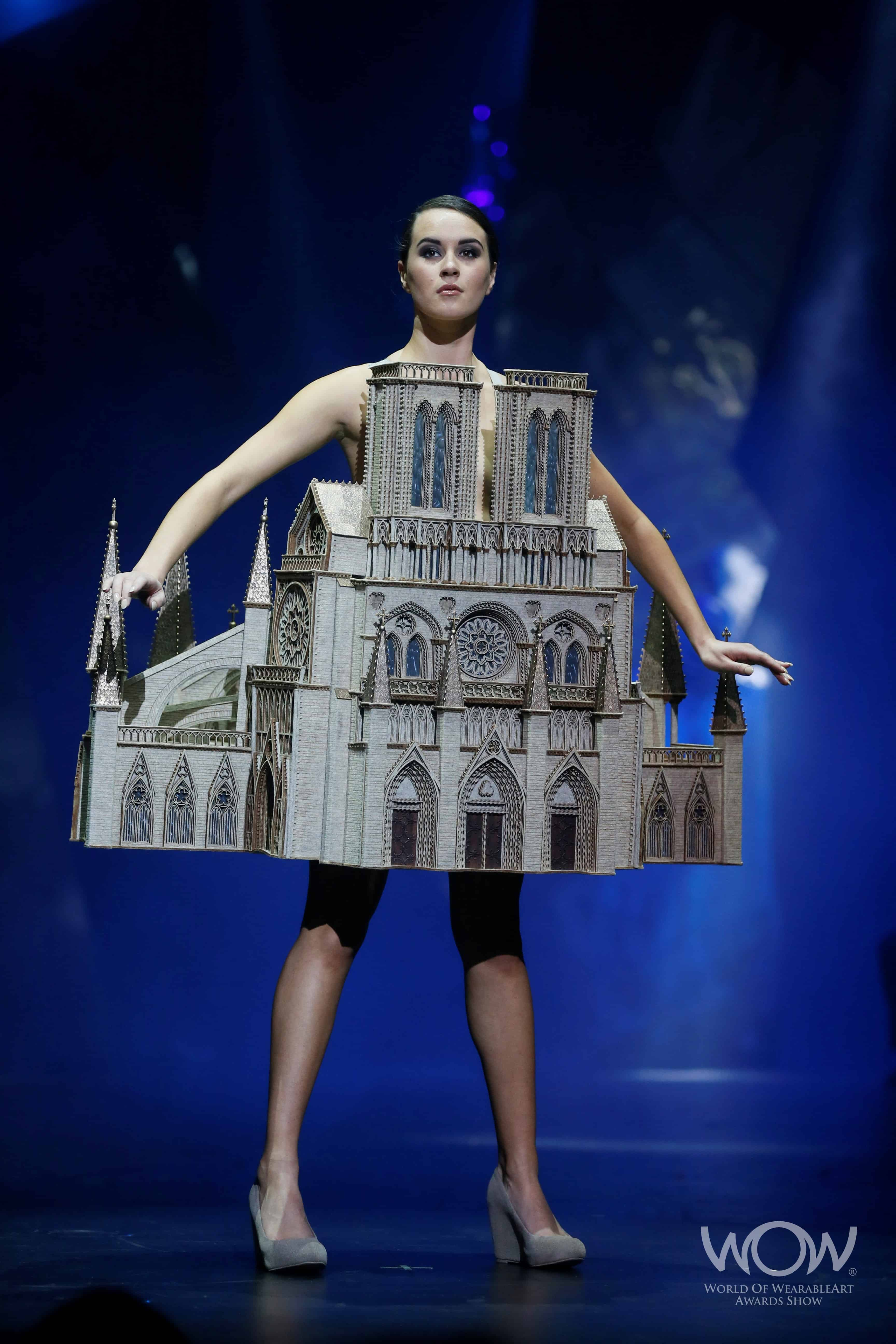Show art wearable toronto foto