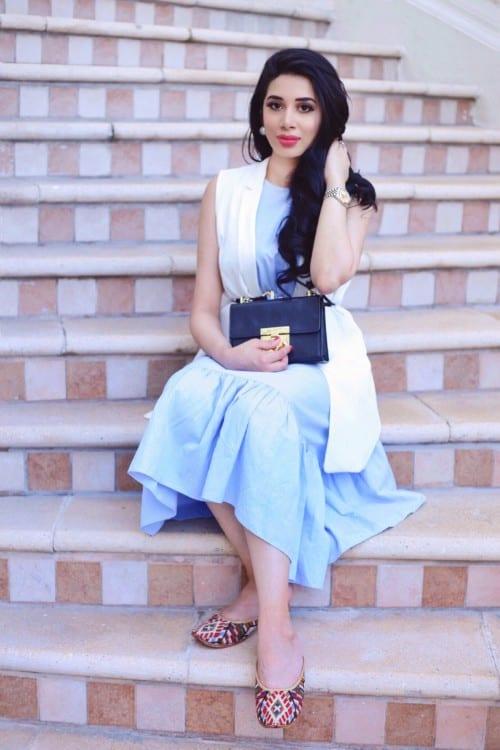 Fashion blogger Reema Naeem Wali wearing Meraki flats.