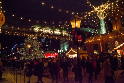 toronto-christmas-market-tree-lighting-and-opening-ceremony