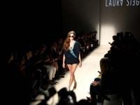 laura-siegel-run-crowd-backstage-10