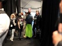 laura-siegel-run-crowd-backstage-54